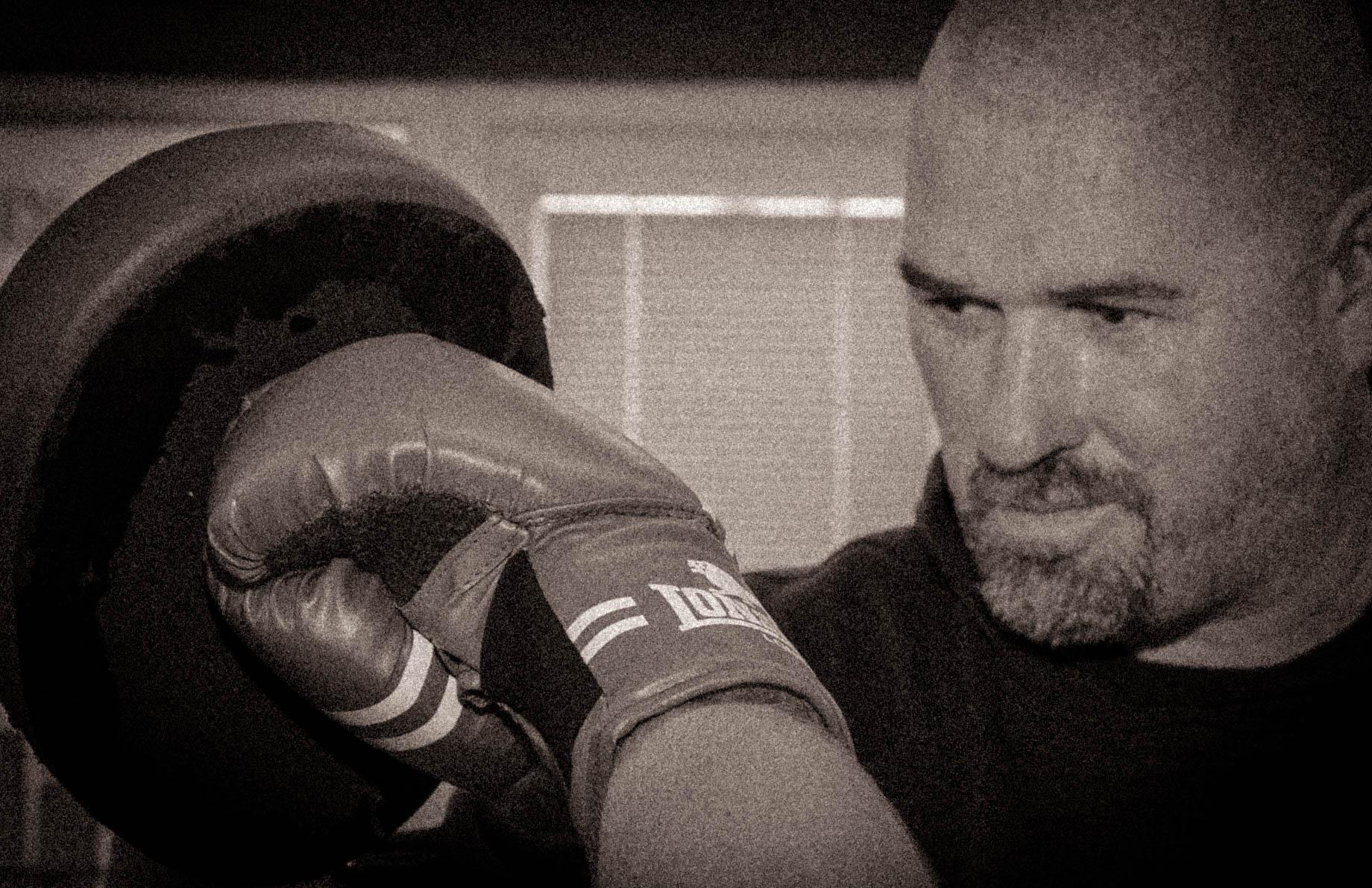 pad drills, boxing, kickboxing, kickboxer, learn to kickbox,