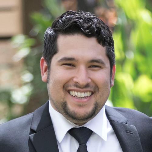Alex Flores, Customer Success | Gloss Genius