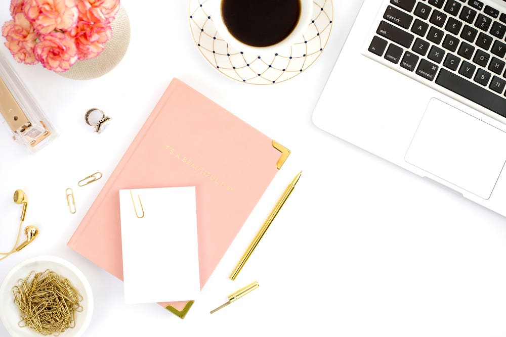 Learn how I went from $0 to over six figures with my blogging business