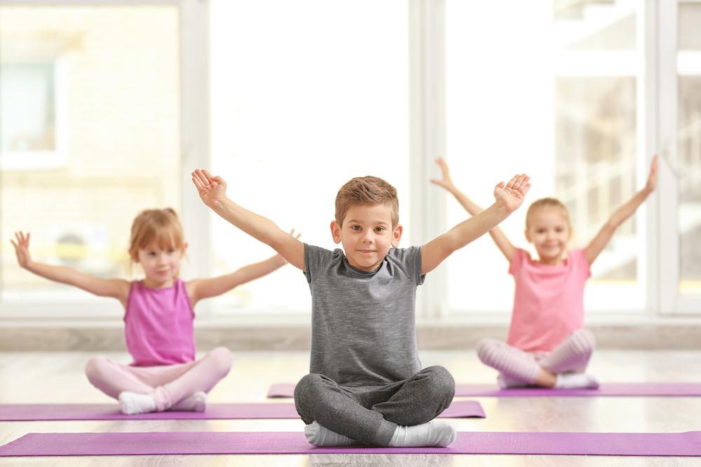 Teach fun kids yoga<br>with confidence!