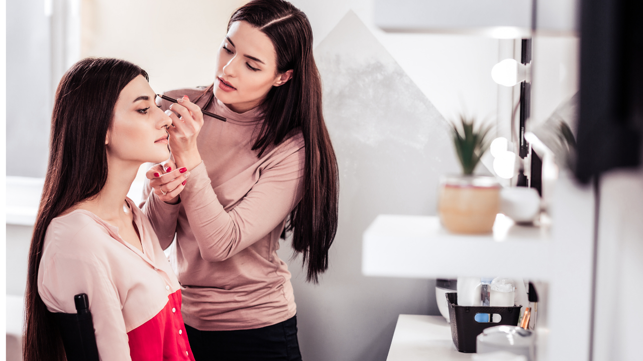 Makeup Artist College Online Courses