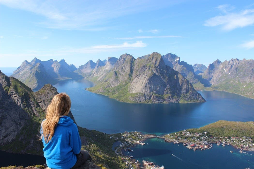 Solo Travel 101: The Modern Woman's Complete Guide to Exploring Alone