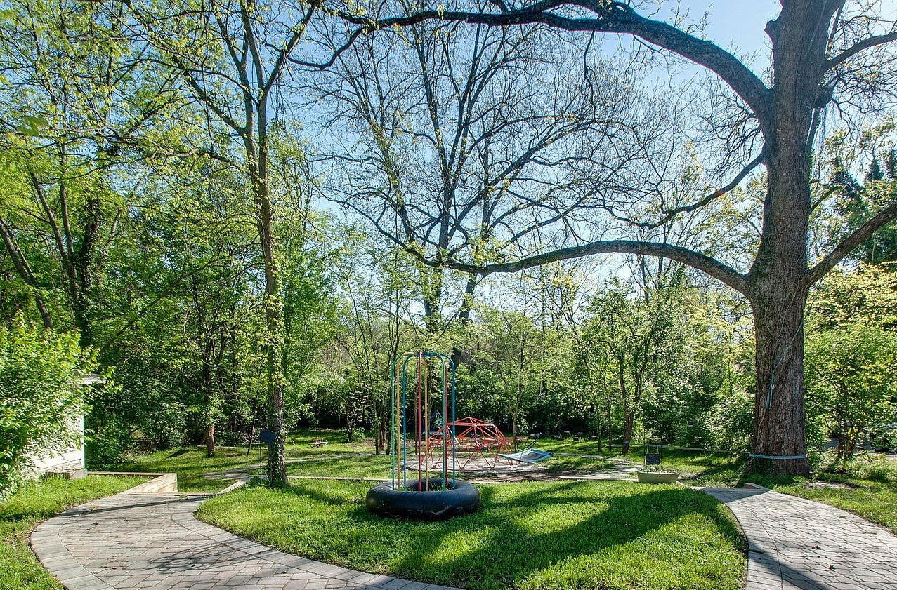 The Nature of Play: Taking TraumaPlay™ Outdoors