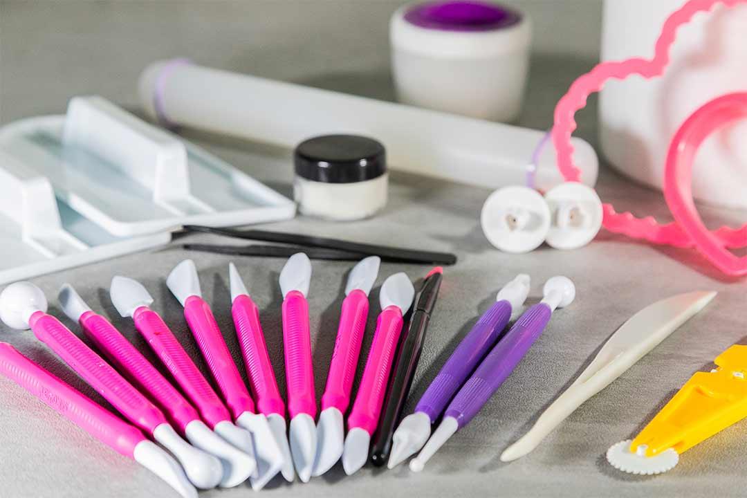 Gli strumenti del perfetto decoratore in pasticceria