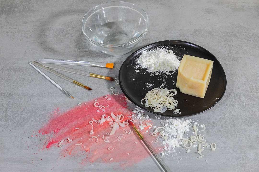 La colorazione della pasta di zucchero