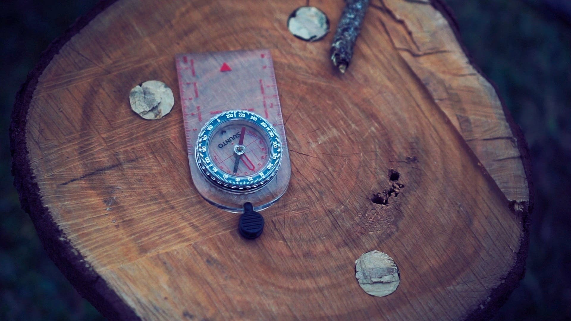 NO MAP NAVIGATION : How to find your way back with just a compass.