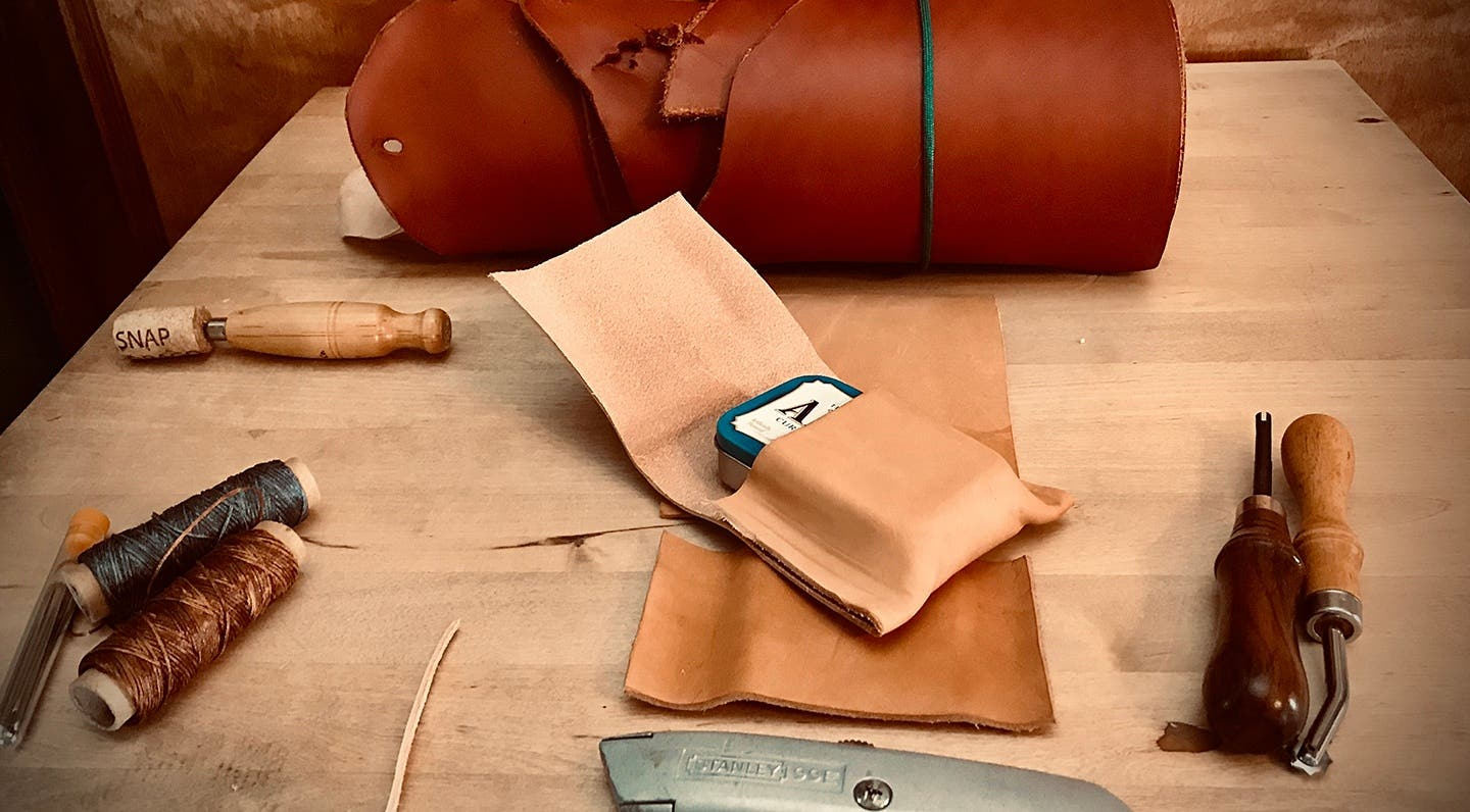 How to Make a Leather Altoid's Tin Belt Pouch (A leather-crafting project for Bushcraft, Survival, or Every Day Carry.)
