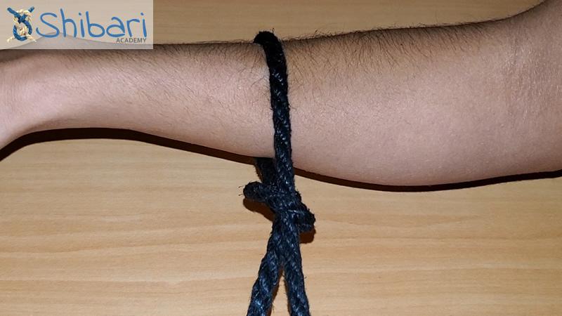 One-handed Slip Knot Shibari