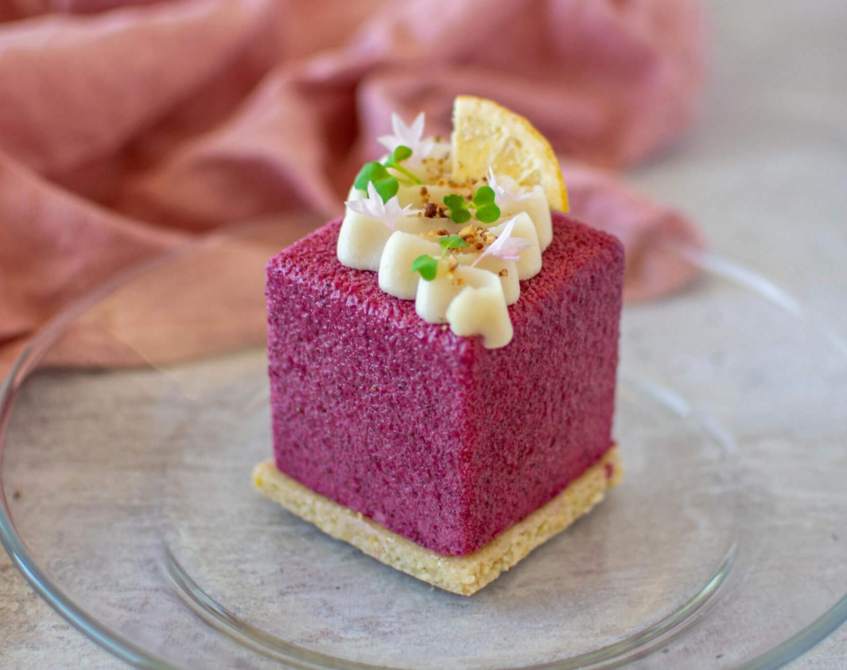 Velour Finish on Cakes