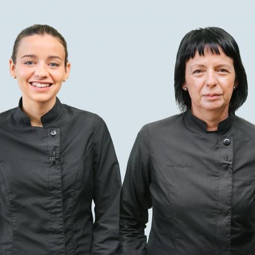 Fina Puigdevall y  Martina Puigvert Puigdevall