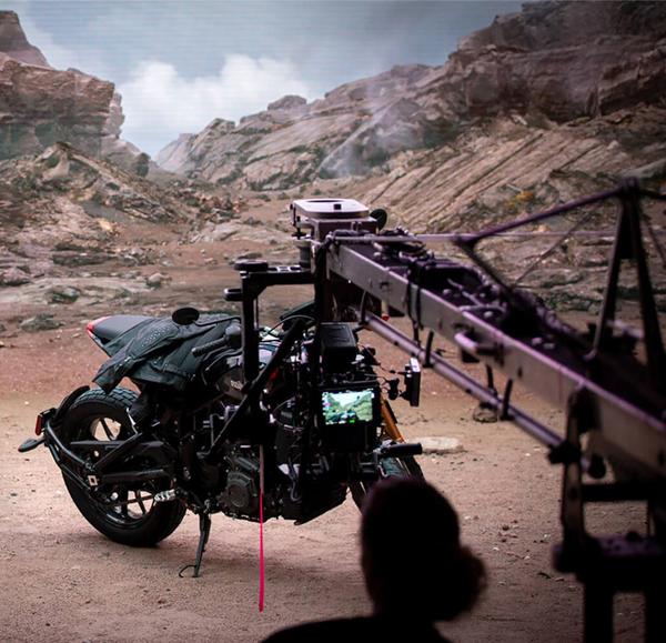 Plató de rodaje de un anuncio de motocicleta