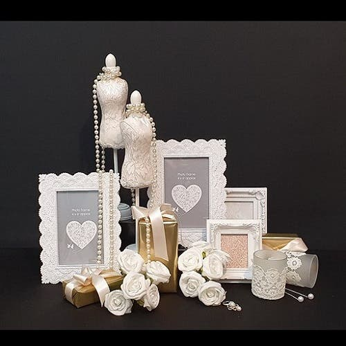 An A-Symmetrical grouping display of gifting