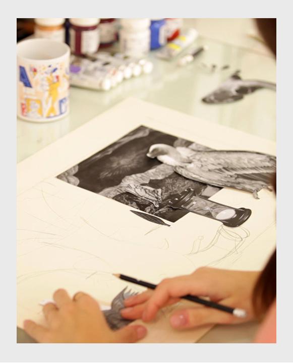 Pintora Isa Nieto pintando