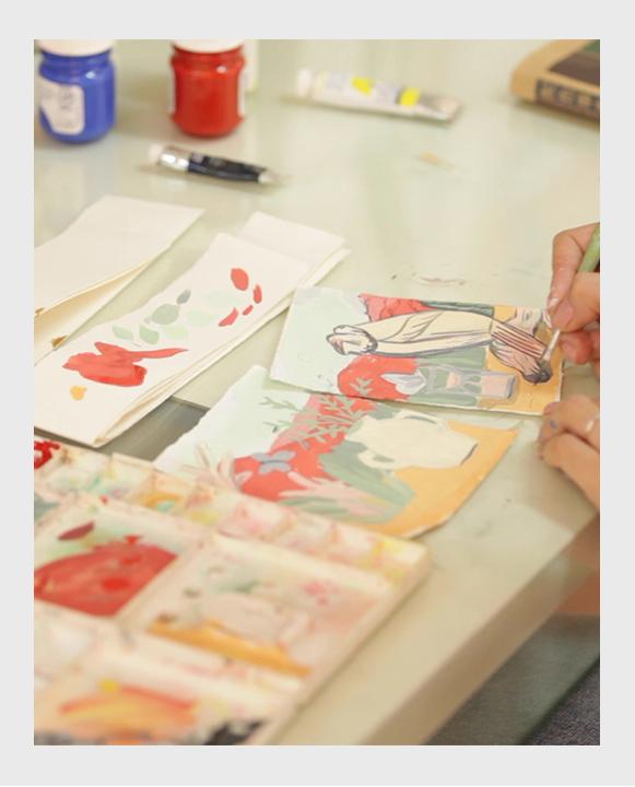 Artista Isa Nieto pintando con gouache