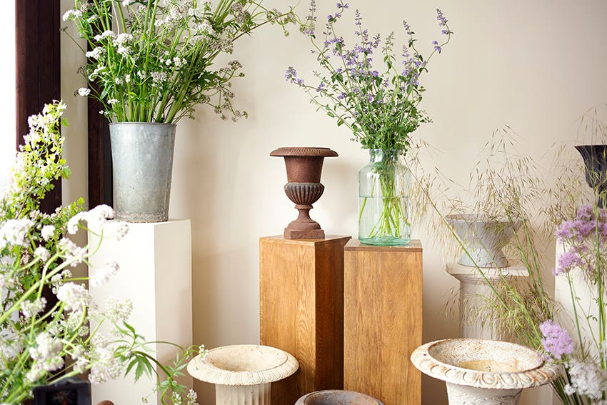 Wedding Urn Flowers Photo Aesme Studio