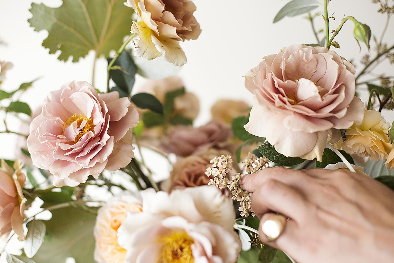 Foam-free flower arranging Photo Aesme Studio
