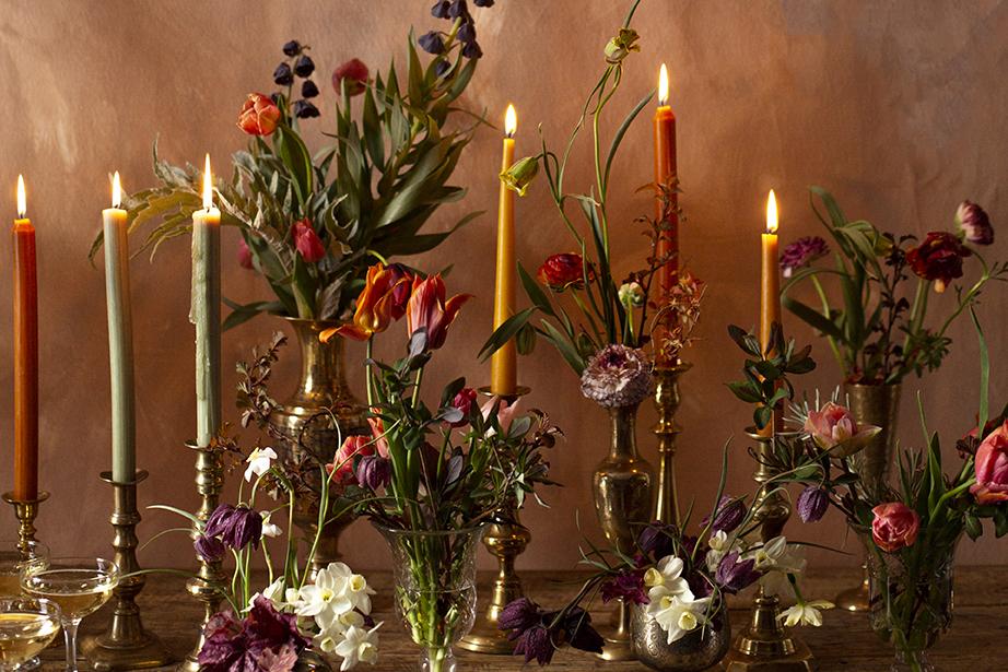 Spring wedding flower centrepiece Photo Aesme Studio