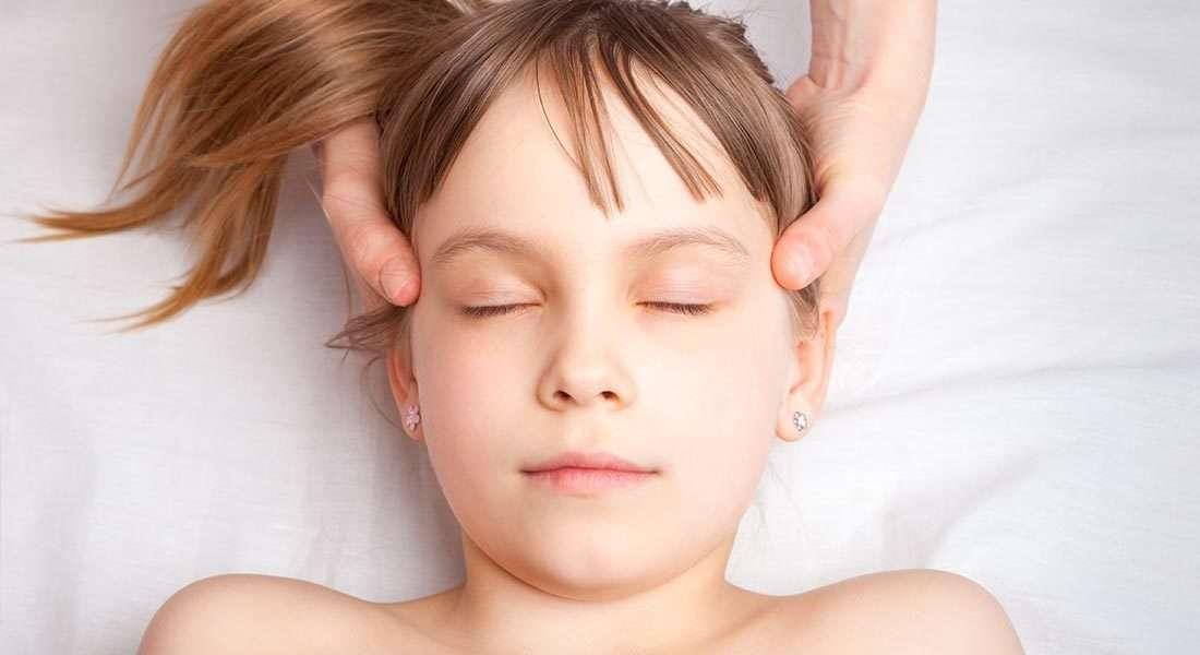 Kopfmassage Mädchen