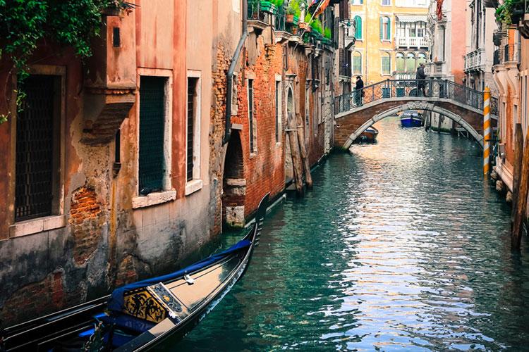 Eduglobal Associates - Cultural immersion - A Venician canal