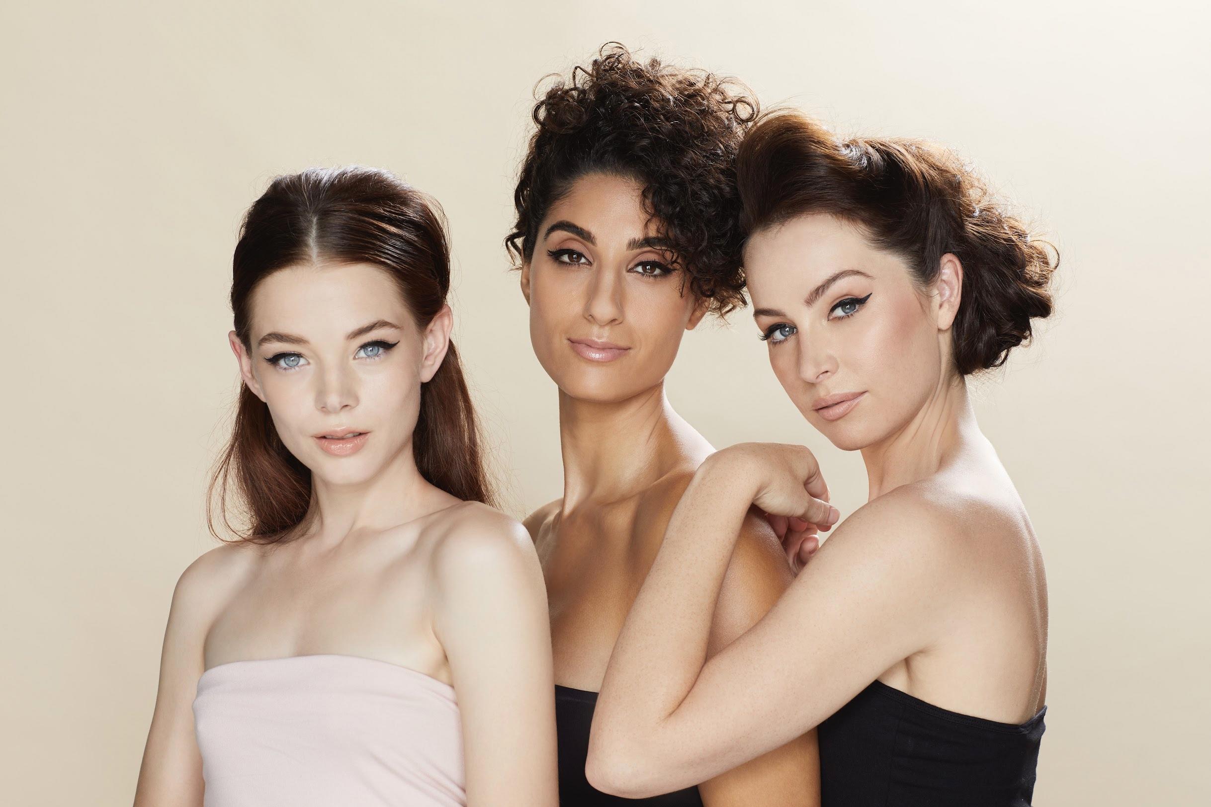 Fox Cosmetics Three Girls from space